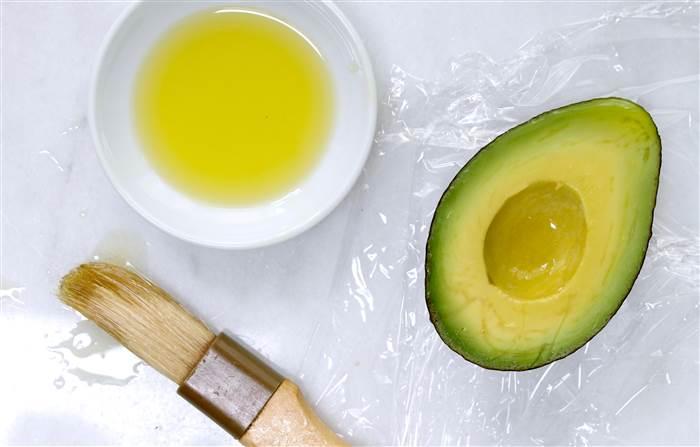 bảo quản bơ bằng dầu oliu