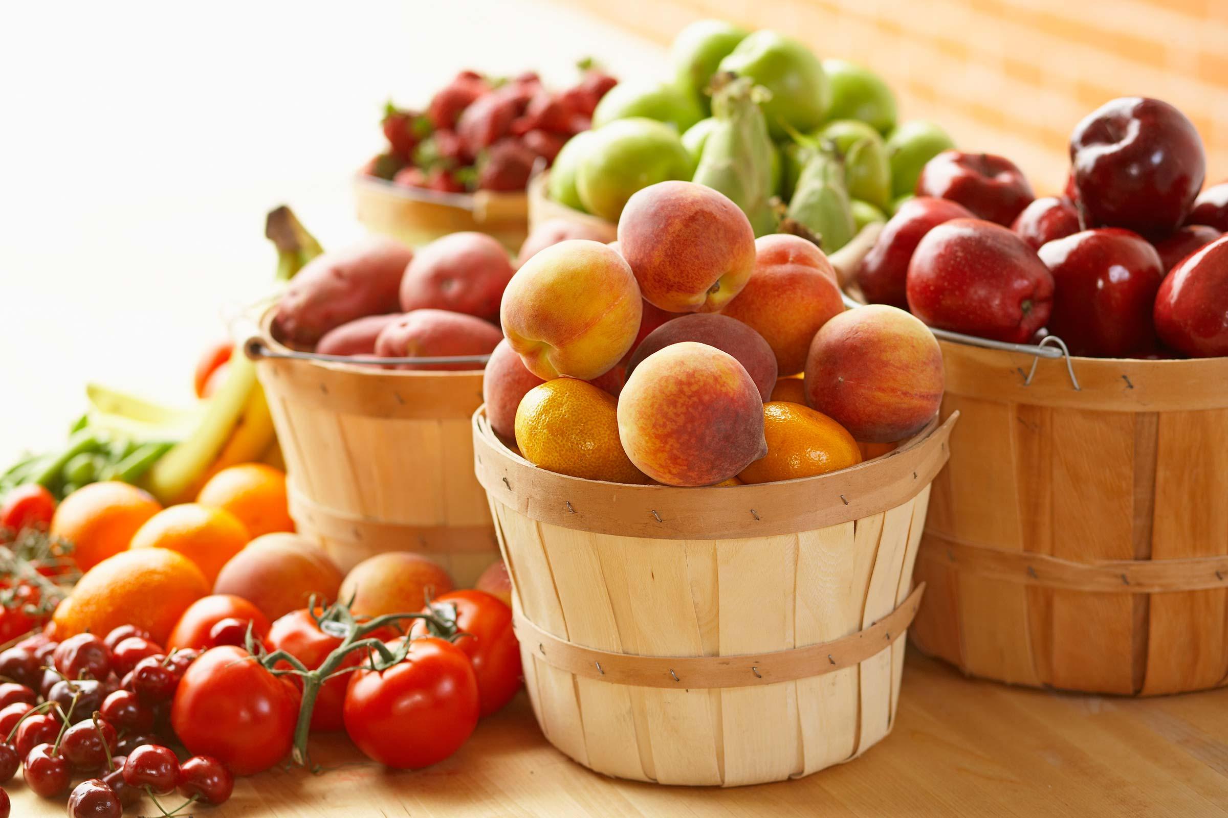 """Trái cây chỉ được phân làm hai loại nhiều đường và ít đường."""""""