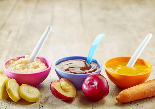 bột ăn dặm với hoa quả