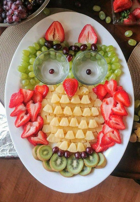 bày trí đồ ăn bằng hoa quả