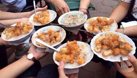 Khu Bách Khoa - Phố ăn vặt Hà Nội nổi tiếng
