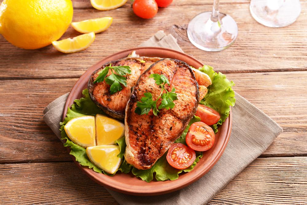 Ăn cá giảm cân có đúng hay không?