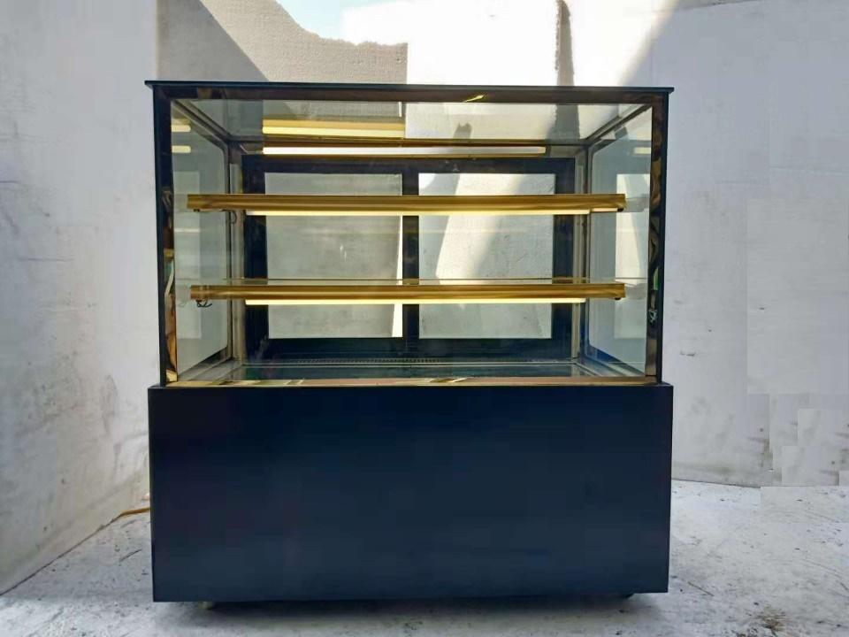 tủ trưng bày kính vuông 3 tầng TKV 1200