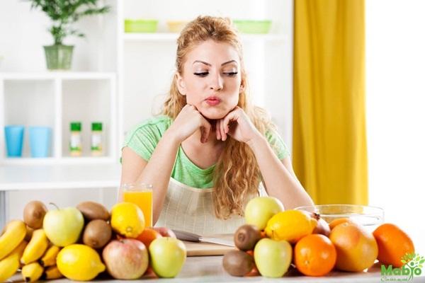 Sau sinh có được ăn táo không?