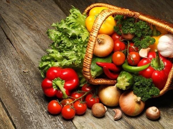 """Giải đáp thắc mắc: """"Bà bầu kiêng ăn rau gì?"""""""