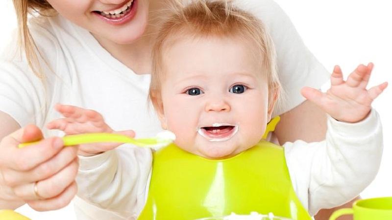Tìm hiểu loại sữa chua cho bé 1 tuổi